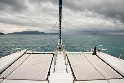 catamarán para fiestas en barco Málaga